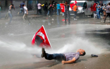 The Turkish Revolution won't be televised, it will be Tweeted's image